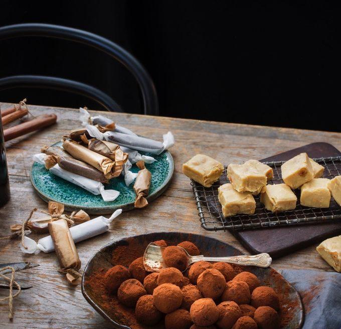 Julgodis med Tea Malmegård på smygöppning av Baileys Treat Factory