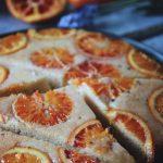 upp och ner kaka med frukt