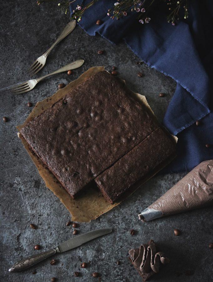 saftiga brownies med mockakräm5