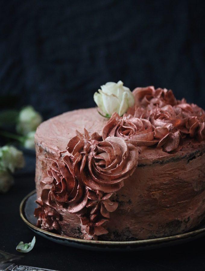 chokladtårta med rosor