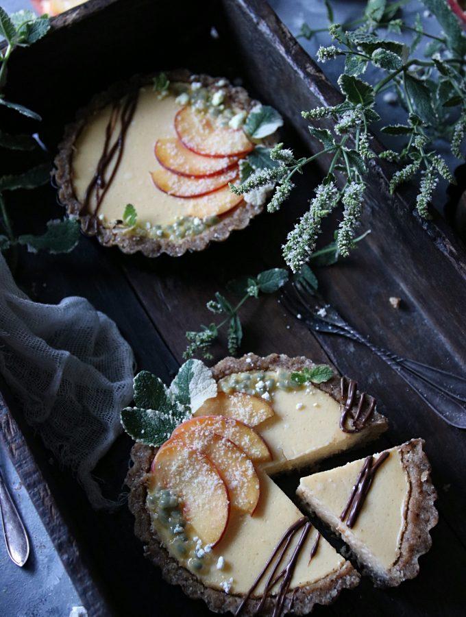 no-bake paj med persika och passionsfrukt