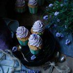 cupcakes med lavender frosting